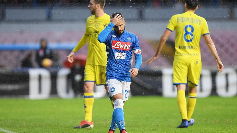 Napoli ditahan imbang Chievo 0-0. (Foto: Francesco Pecoraro/Getty Images)